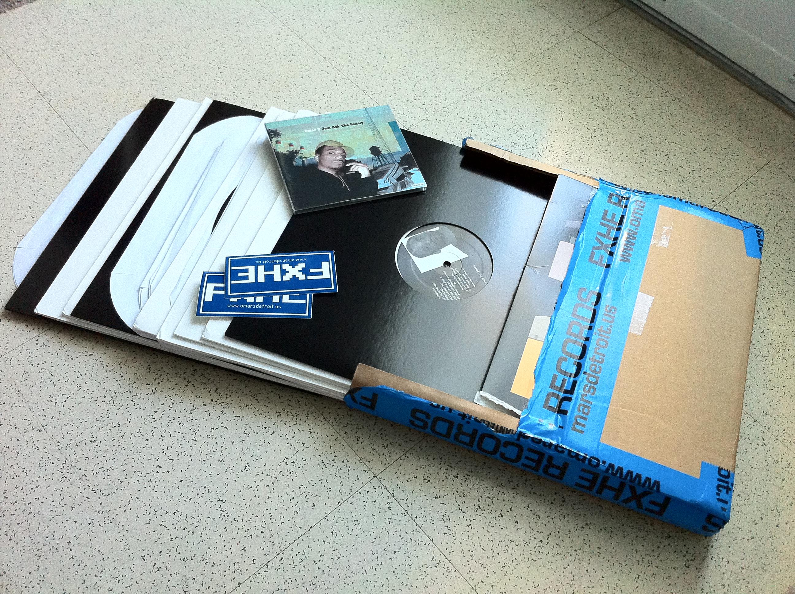 他用ipad,所以我有理由相信还有人和我一样在继续买唱片。