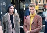 那个星期我做了个奇怪的梦。我和Lou Reed、还有一个叫Warren Peace 的朋友在Greenwich Village的一家老式饭馆吃晚饭,那里全都是波洛克的绘画。
