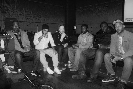 从左至右:Fat Jon, Pase Rock, Marcus D, Cise Starr, Funky DL, Substantial